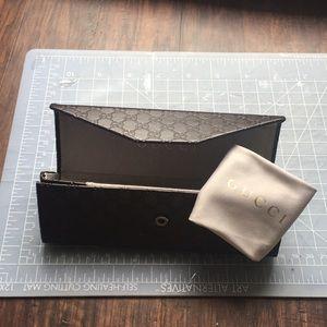 Gucci brown monogram eyeglasses case w/ cloth